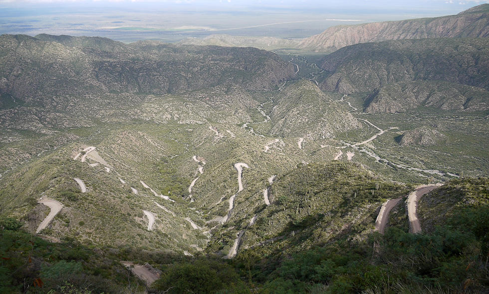 Серпантин по дороге в Тукуман