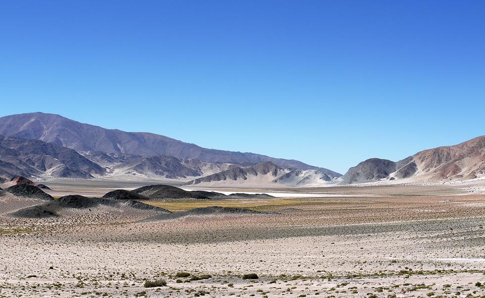 Сухое песочное озеро