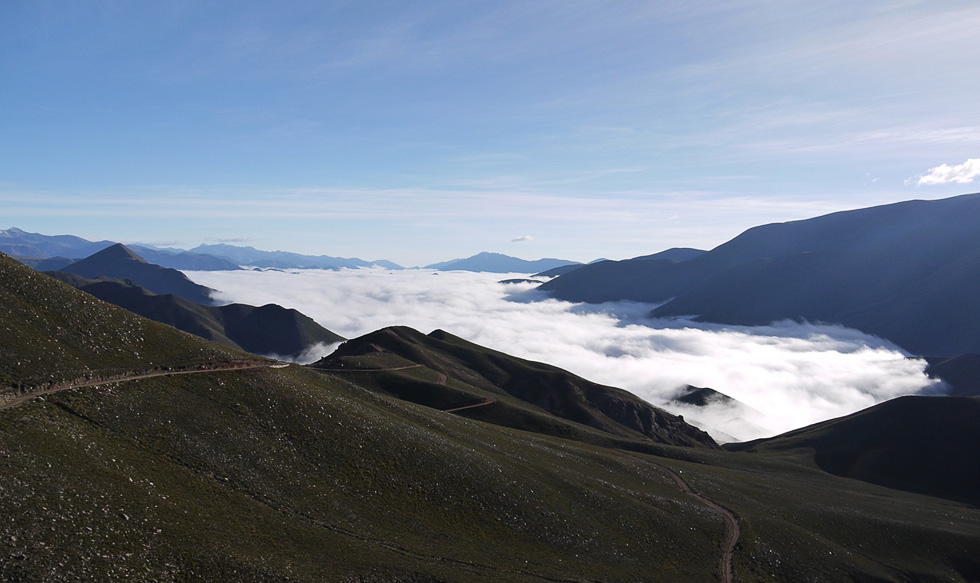 Облака застряли в долине