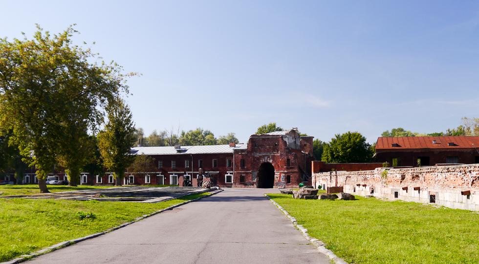 Вид на Тереспольские ворота с внутренней стороны Цитадели