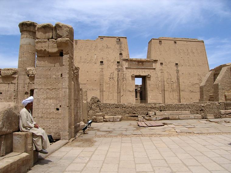 Храм в городе Эдфу