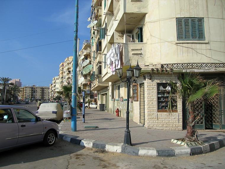 Александрия. Улица на которой расположен ресторан, куда возят обедать туристов