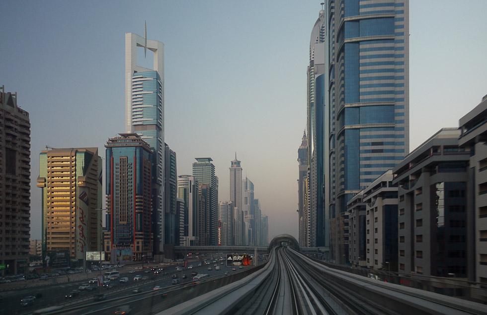 Надземное метро в Дубаи