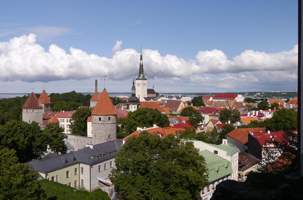 Вид на нижний город со стен верхнего