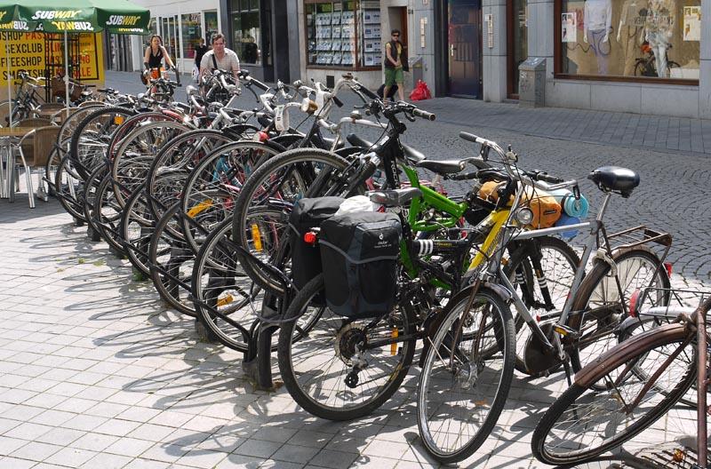 Паркинг для велов в Маастрихте.