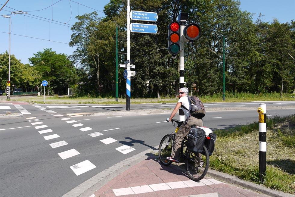 Велосипедный светофор в Голландии.