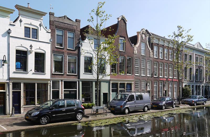 Парковка в Голландии.