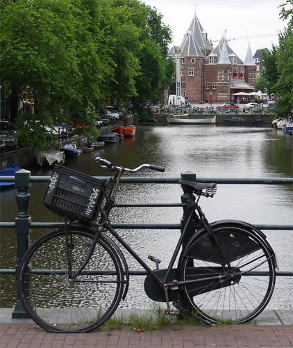 Велосипед в Амстердаме.