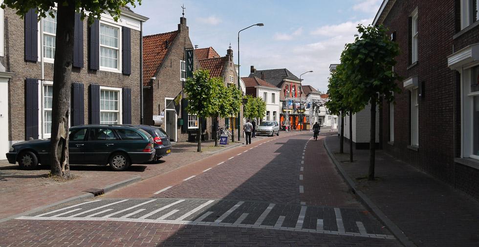Дорожная разметка в Голландии.