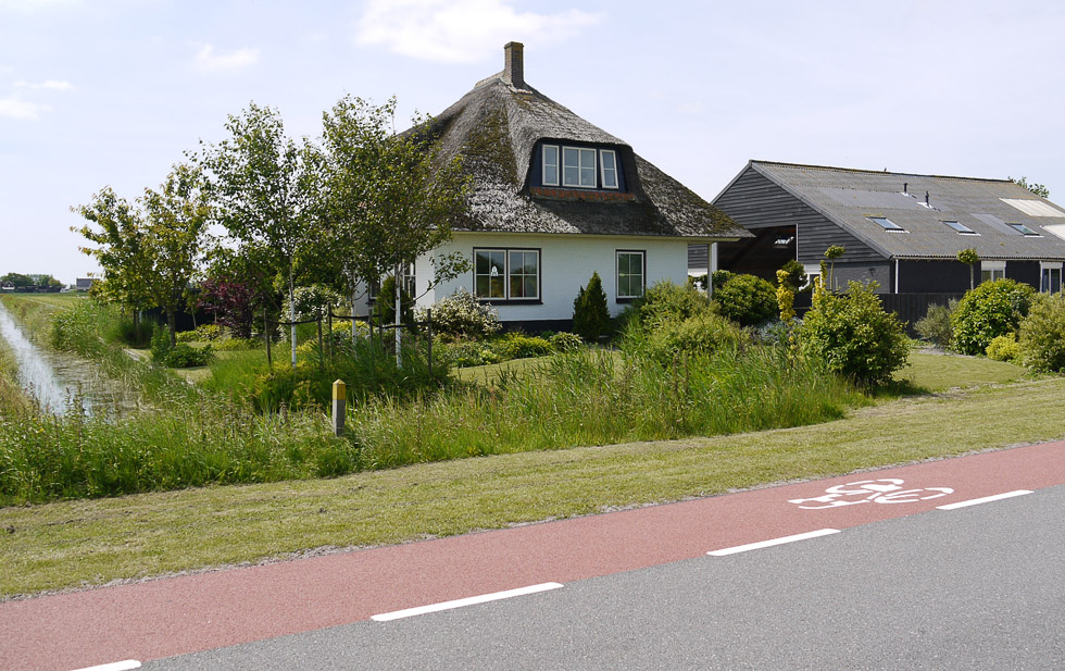 Голландия, домик в деревне.