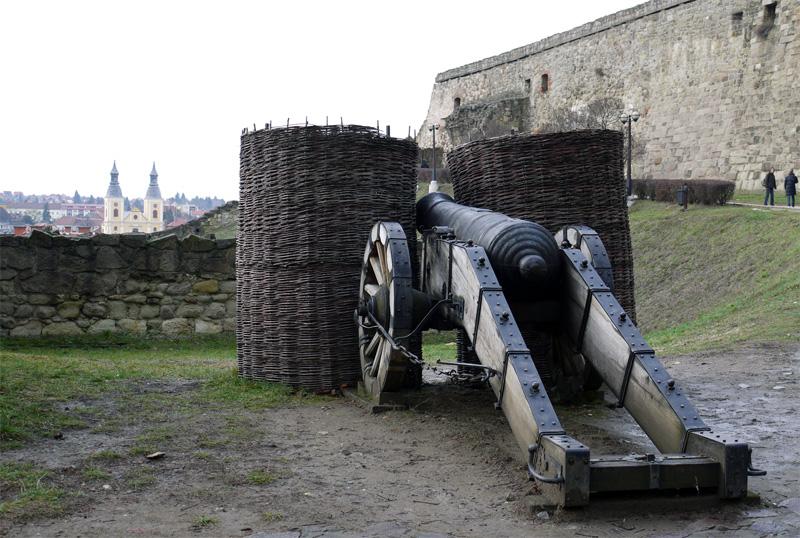 Вид на город со стороны крепости.