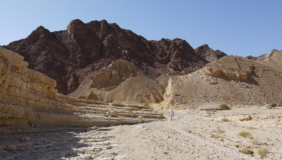 Разноцветные скалы в Негев
