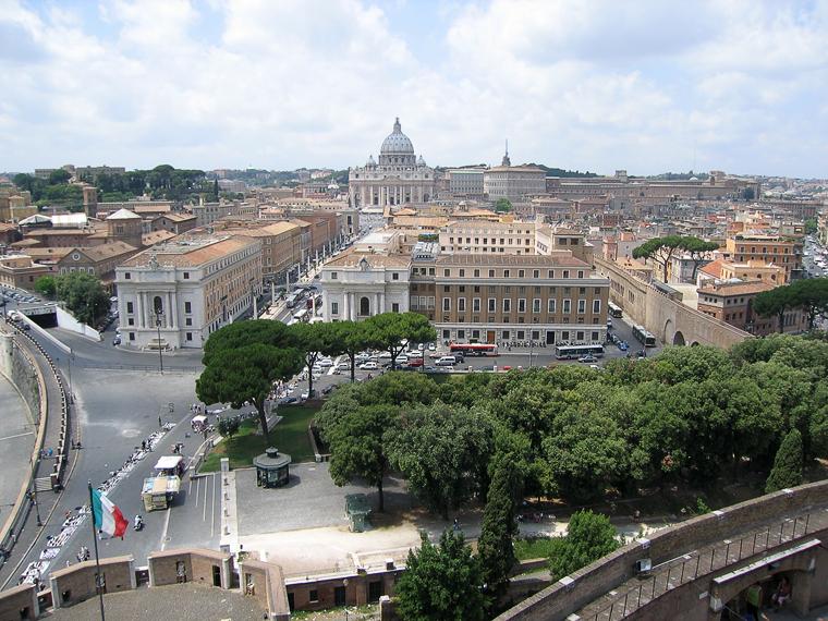 Рим. Вид с крепости ангела на собор св. Петра и город