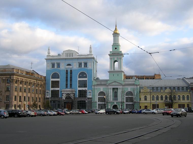 Разноцветные домики на Контрактовой площади