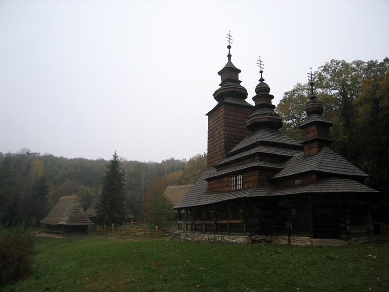 Деревянная церковь прикарпатья