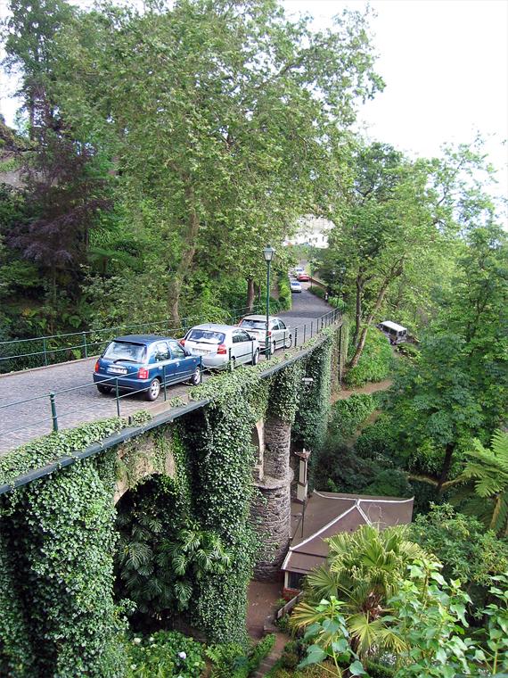 Мост над парком