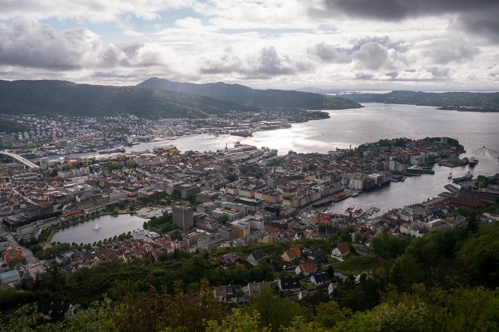 Вид на Берген с горы Флёйен