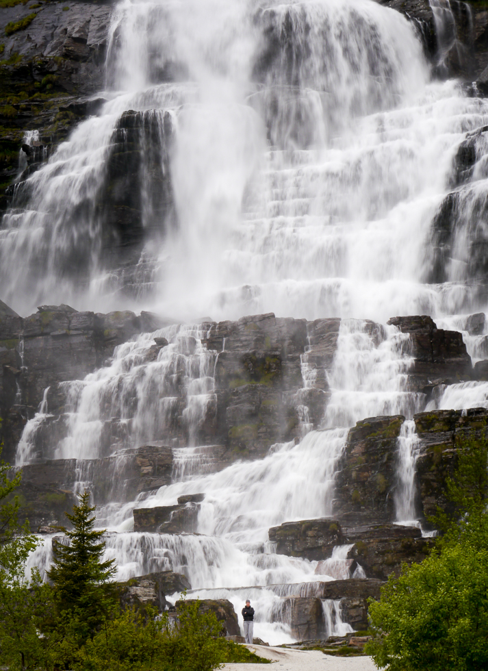 Водопад Tvindefossen