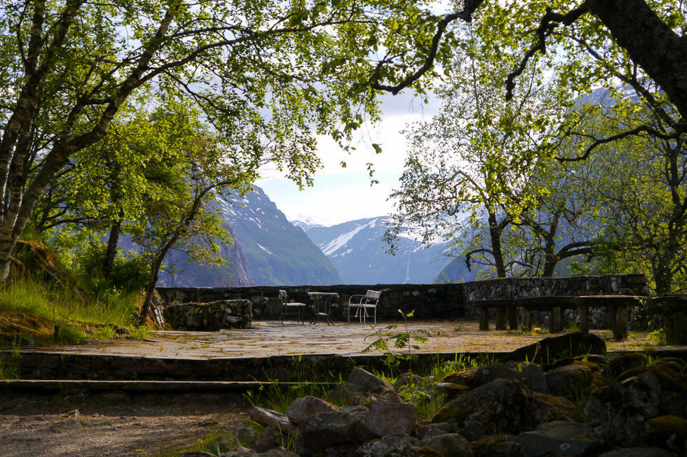 Вид на долину с открытой веранды Stalheimskleiva