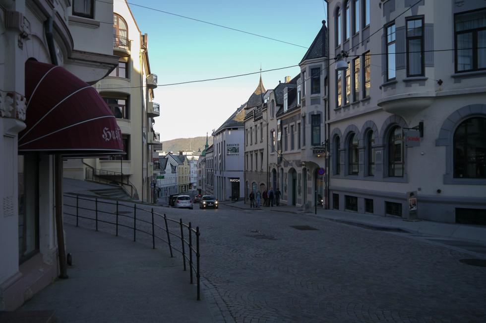 Улица Олесунна 5