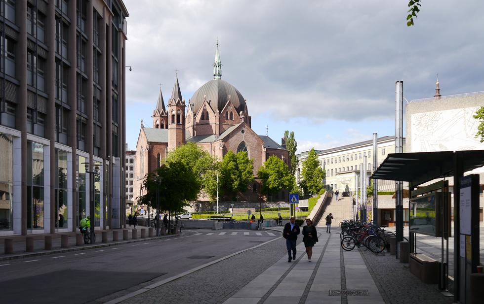 Церковь из кирпича