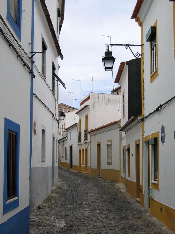 Улица Эворы