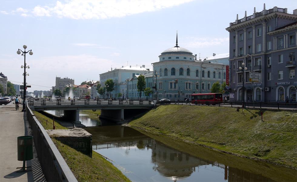 Одна из главных улиц Казани.