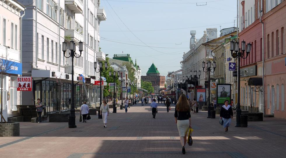 Главная пешеходная улица города. Идёт от кремля и до новых районов. На ней можно найти магазины, рестораны и небольшияе бронзовые памятники: от козла и до ...