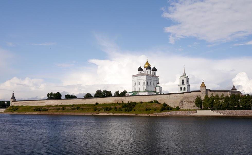 Вид на Псковский Кром