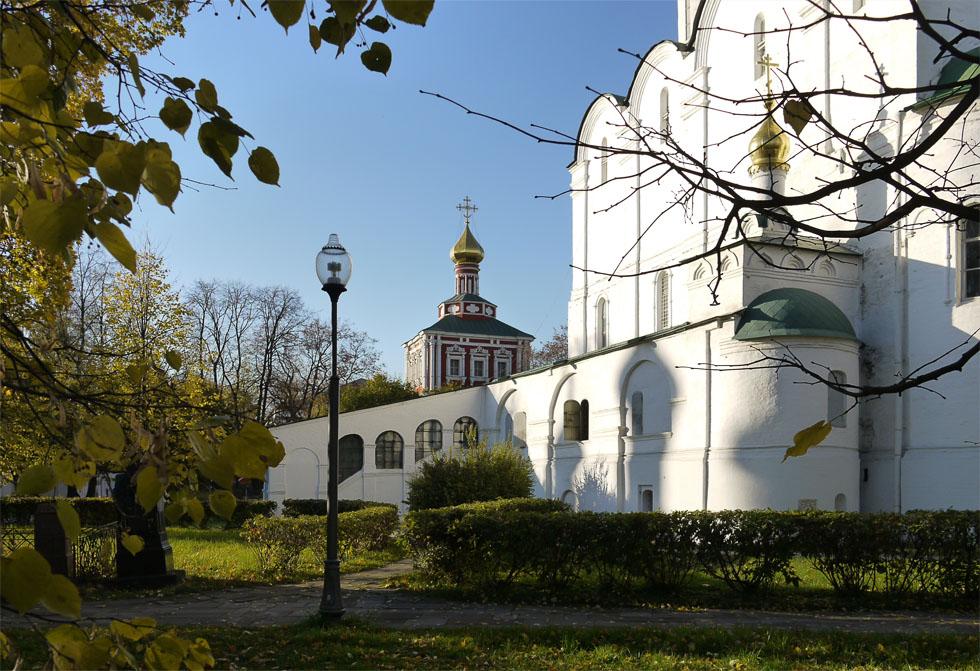 Внутренний двор Новодевичего монастыря