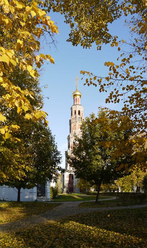 Колокольня Новодевичего монастыря