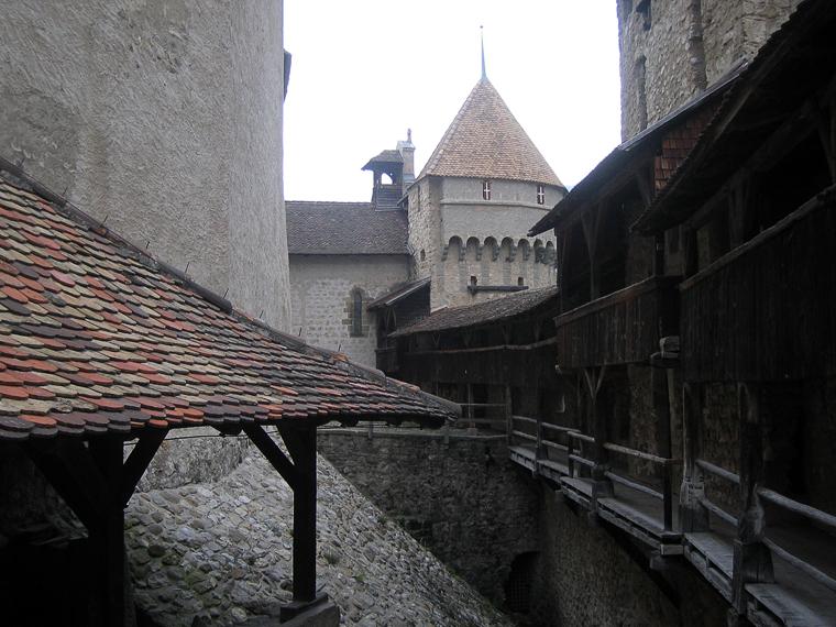За стенами Шильонского замка