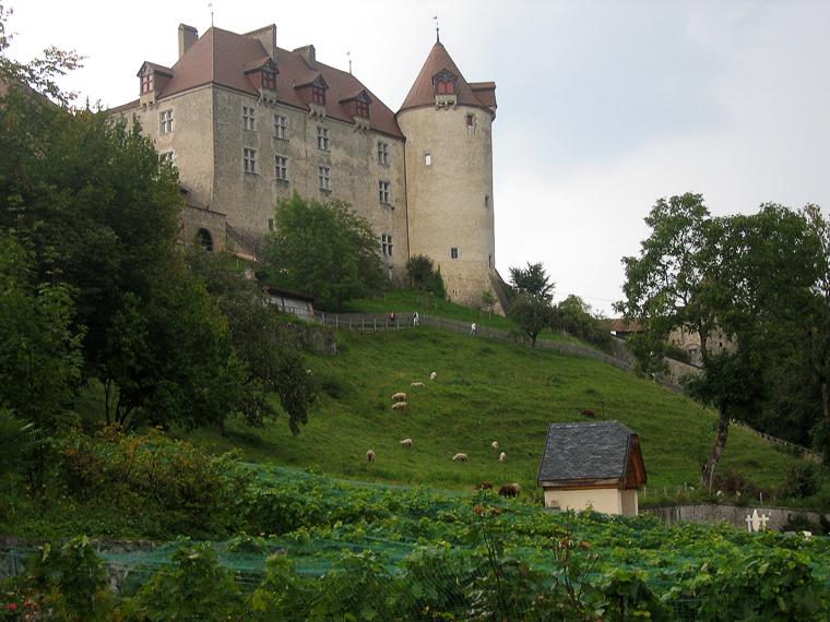 Замок и деревня Грюер. Здесь делают много разных и вкусных сыров