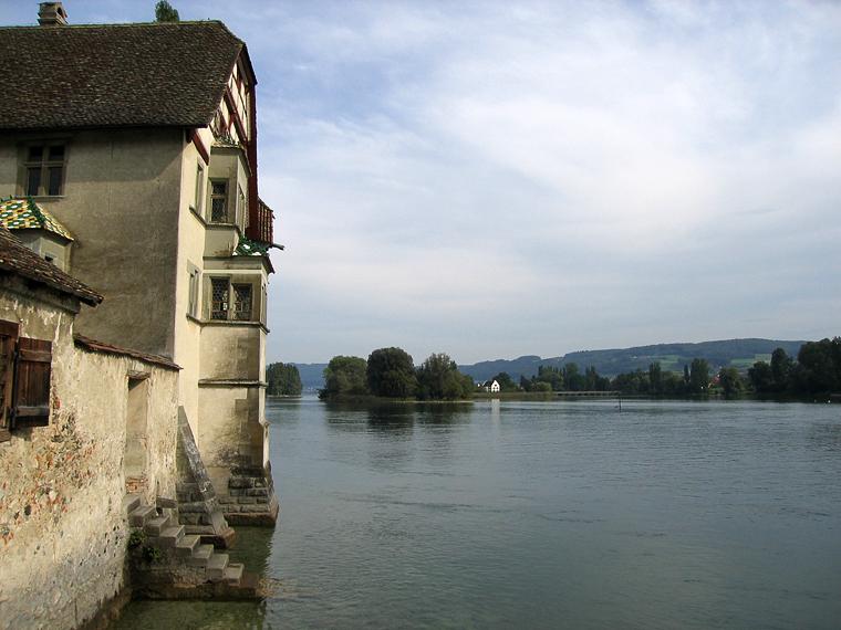 Вид из города на Рейн