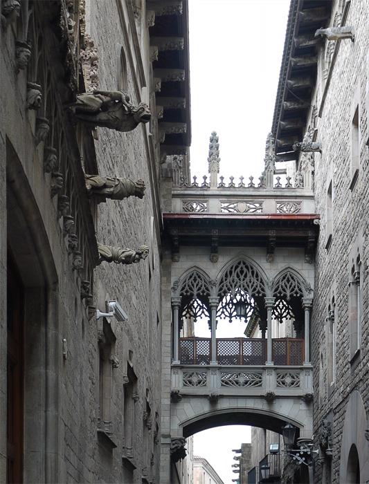 Переулок в Барселоне