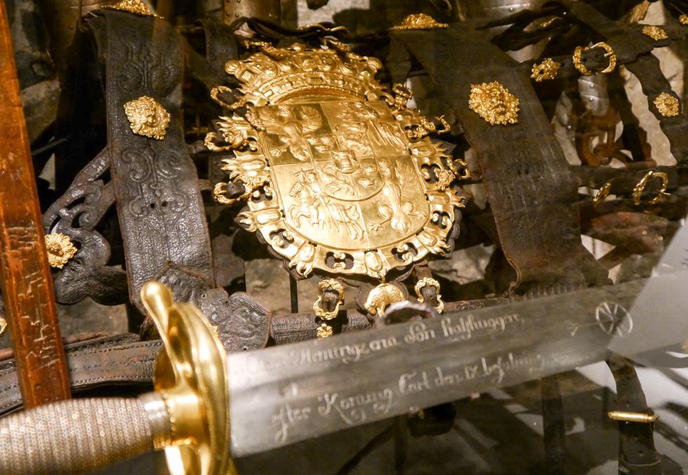 Музеи наполнены золотом