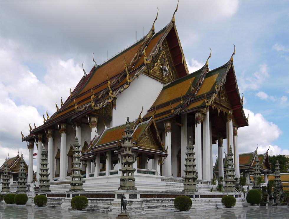 Буддийский храм в Бангкоке (Wat Suthat)