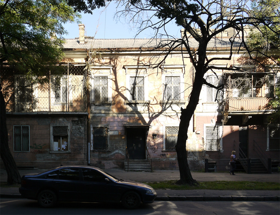 Улица недалеко от Дерибасовской