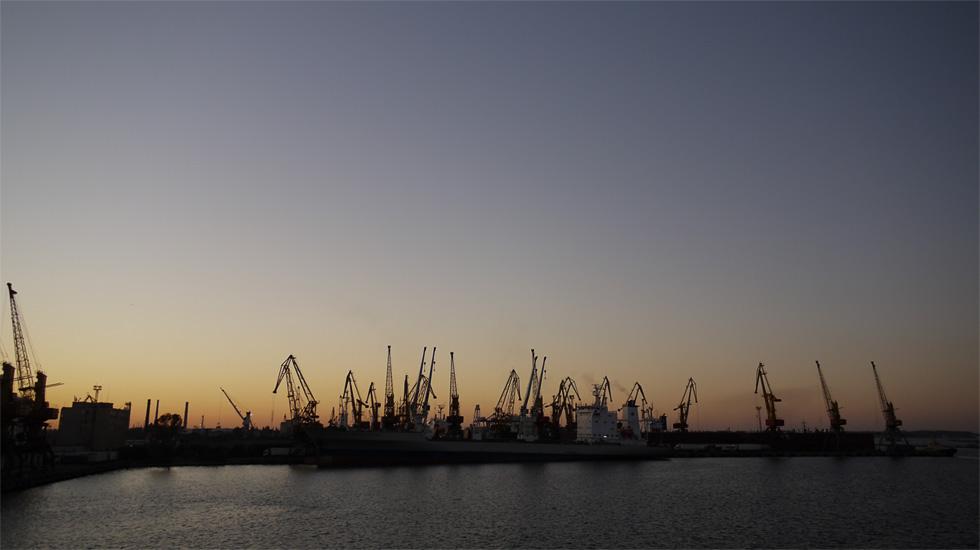 Вид на порт в Одессе