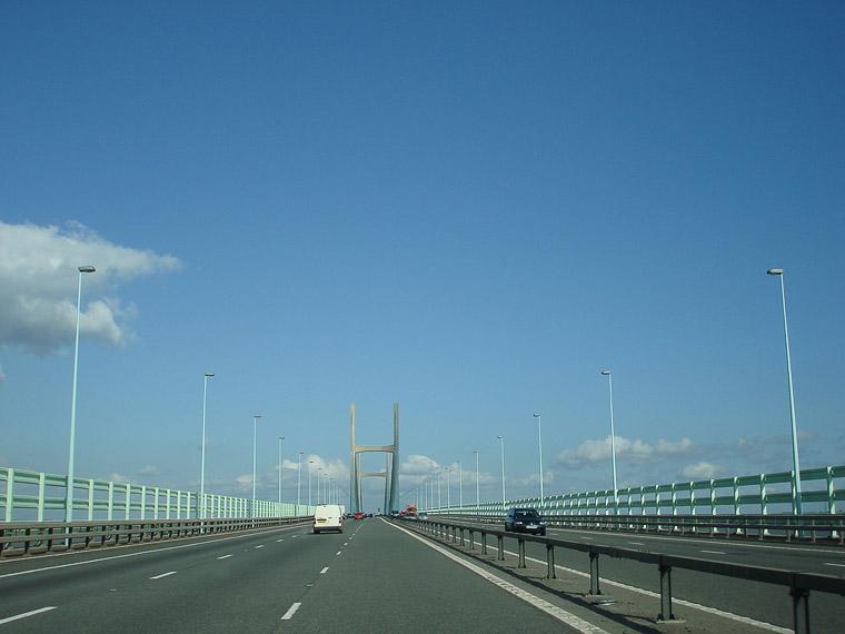 Мост через море в Уэльсе