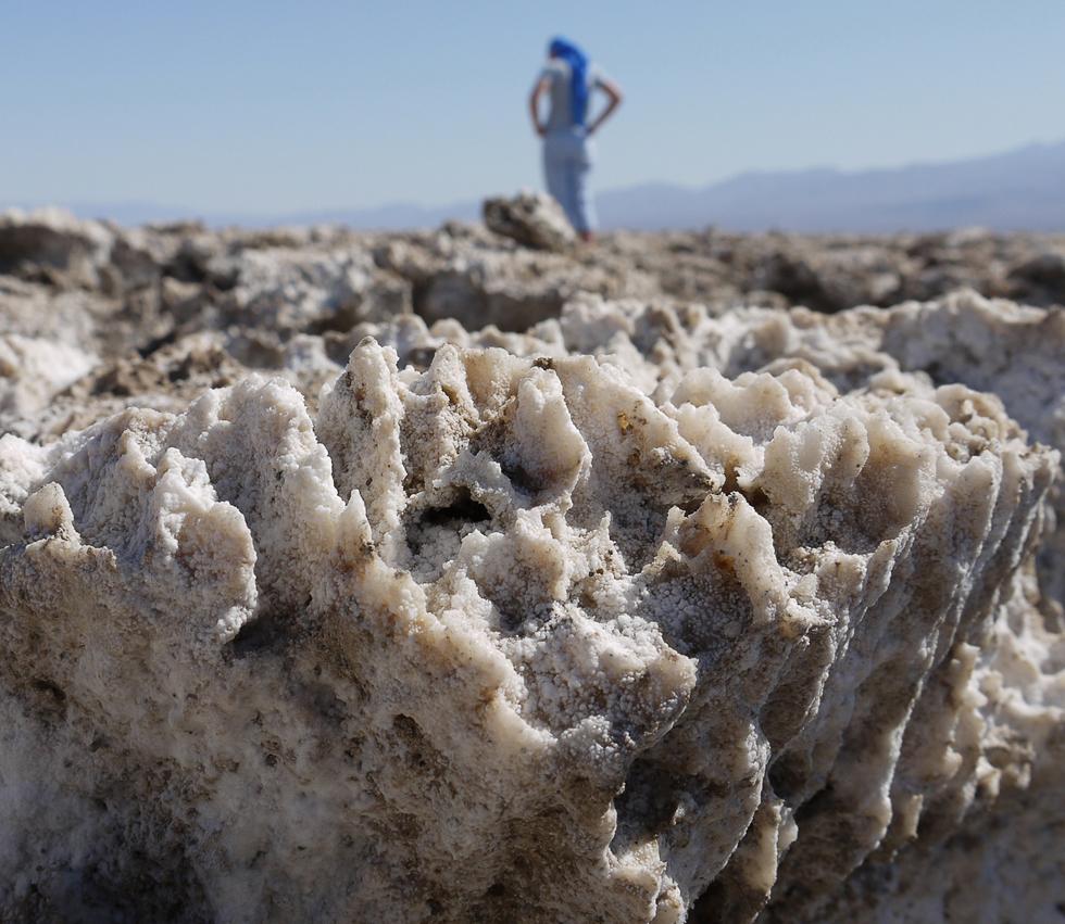 Соль в долине сметри крупным планом