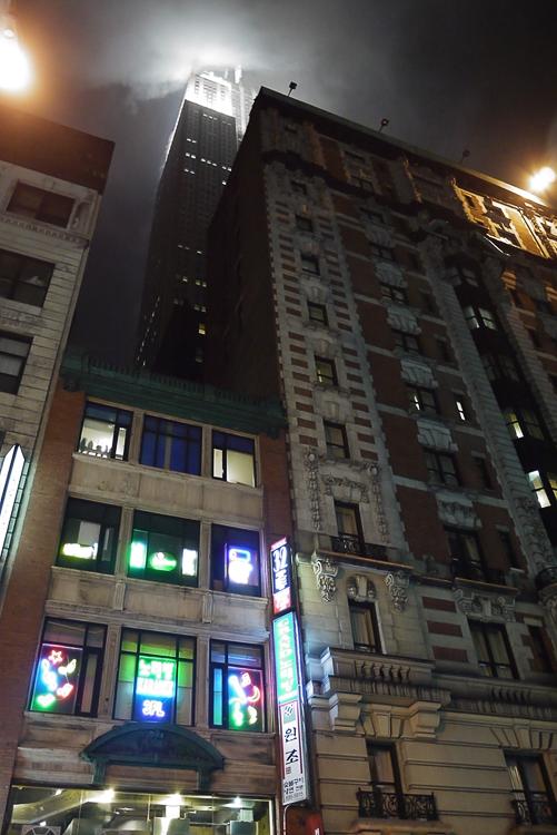 Empire State Building. Вид из корейского квартала.