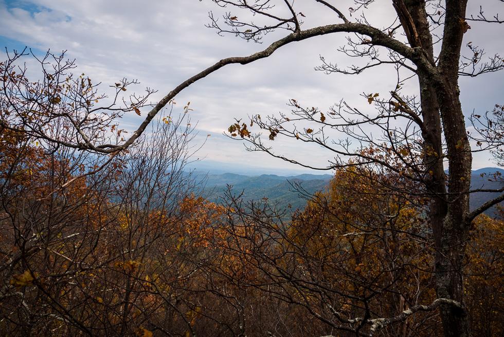 Вид на горы с тропы