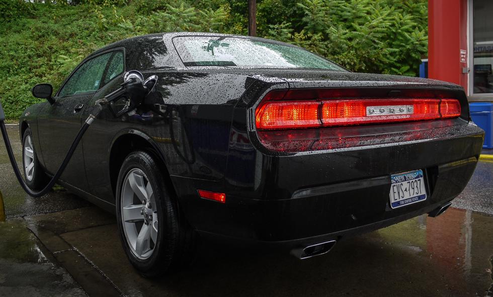 Заправка Dodge Challenger