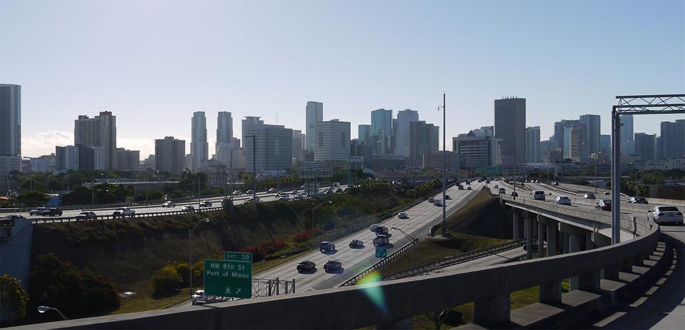 Вид на Майами со стороны интерстейта