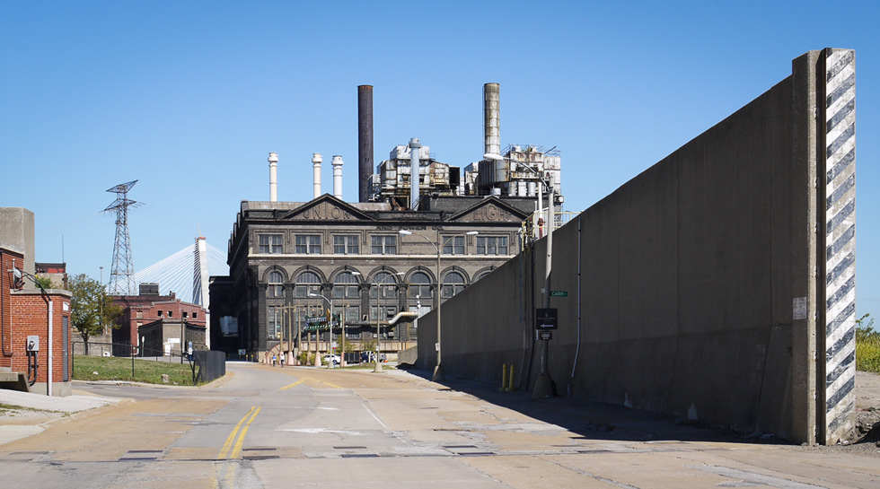 Старое индустриальное здание в Сент-Луисе