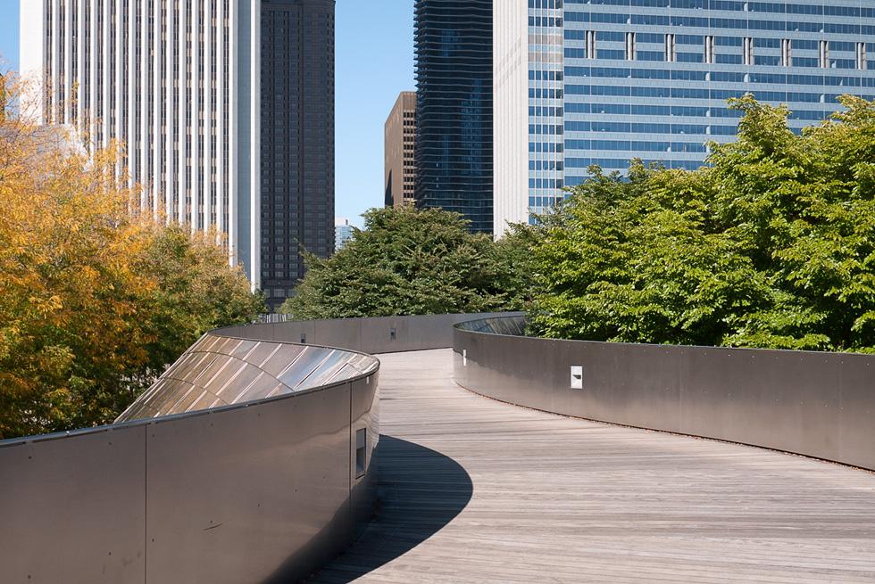 Висячая дорога в парке в Чикаго