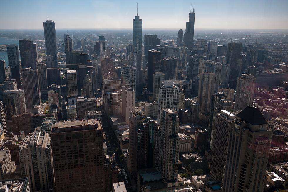 Вид на Чикаго с высоты небоскрёба John Hancock