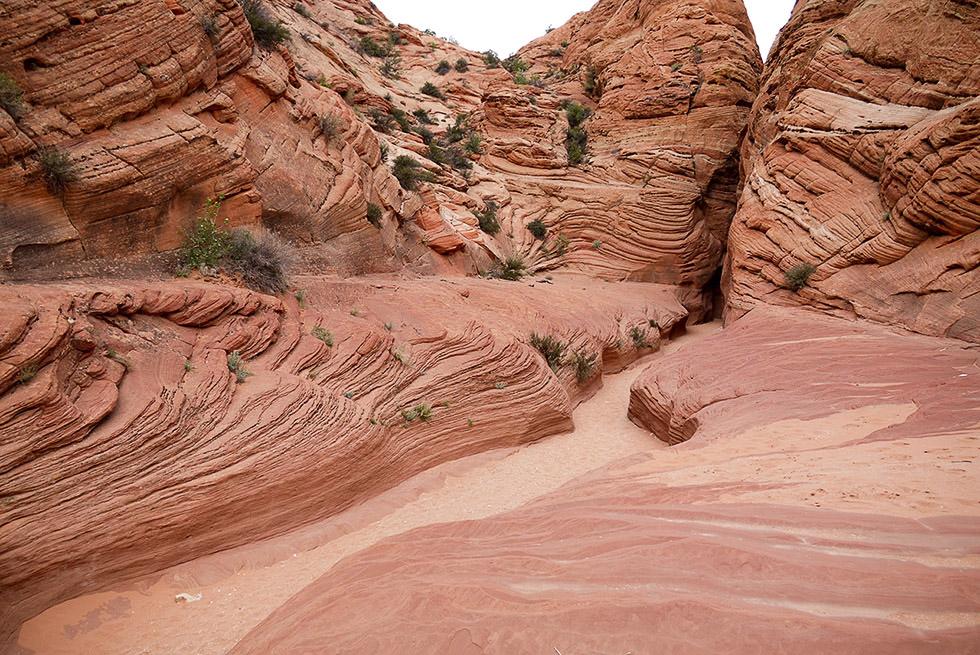 Вход в узкий каньон