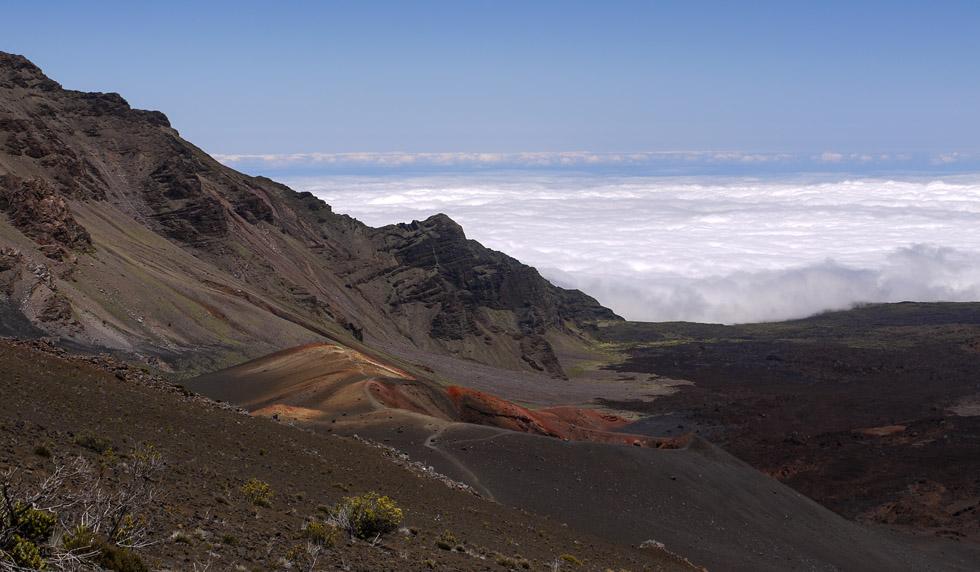 Тропинка до кратера